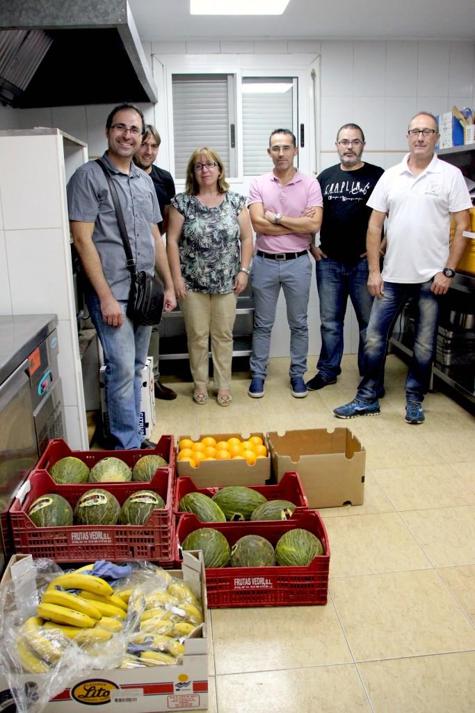 210915 Donación fruta Caminant Per Onda