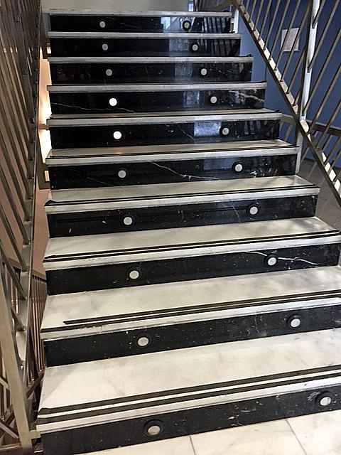 Luces escaleras emergencia ayuntamiento onda socialistes - Luces para escalera ...
