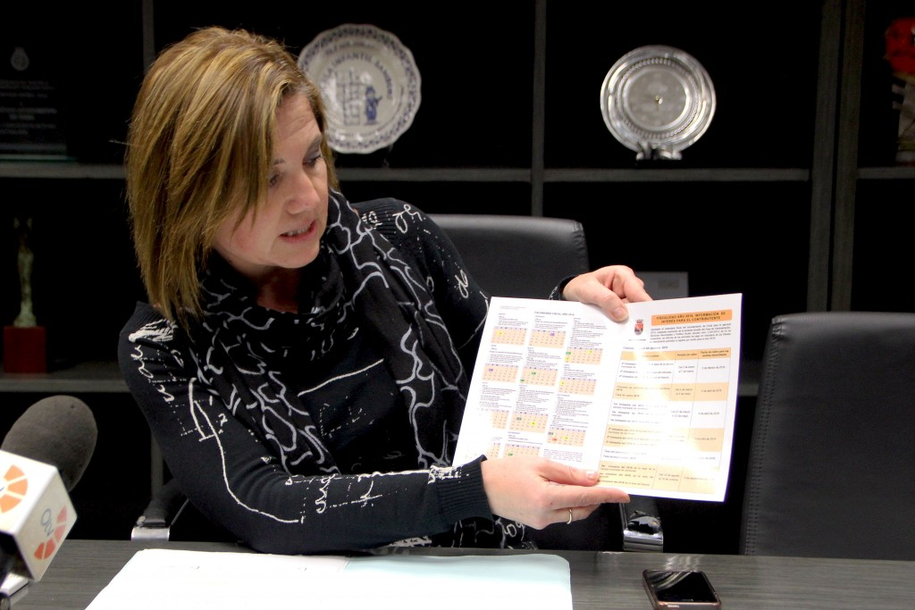 110116 Presentación Calendario Fiscal 2016 Silvia Cerdà Ayuntamiento Onda