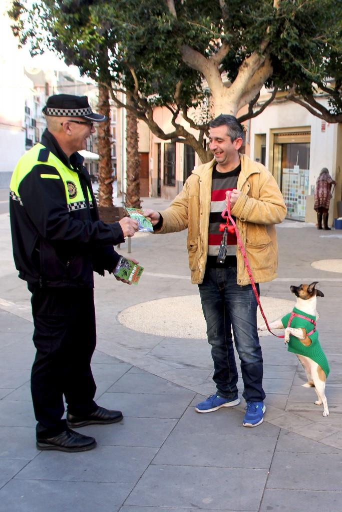 120116 Campaña Concienciación recogida excrementos perros Ayuntamiento Onda