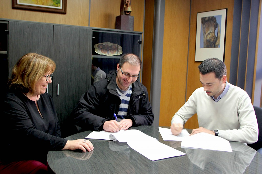 150216 Firma convenio Quisqueya Ayuntamiento Onda Ximo Huguet