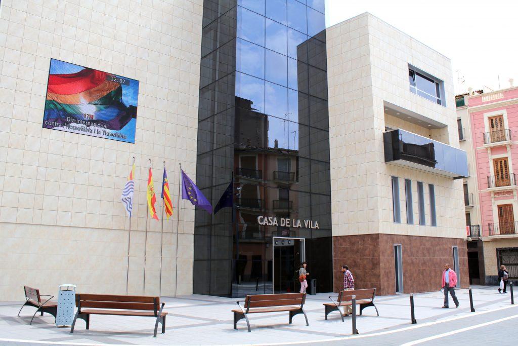 170516 Ayuntamiento Onda Día internacional contra homofobia y transfobia