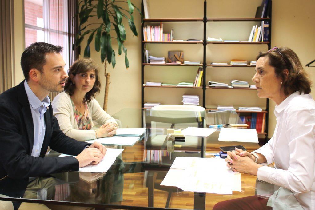 260516 Reunión Conselleria con alcalde Onda Ximo Huguet y concejala educación Encarna Ribes
