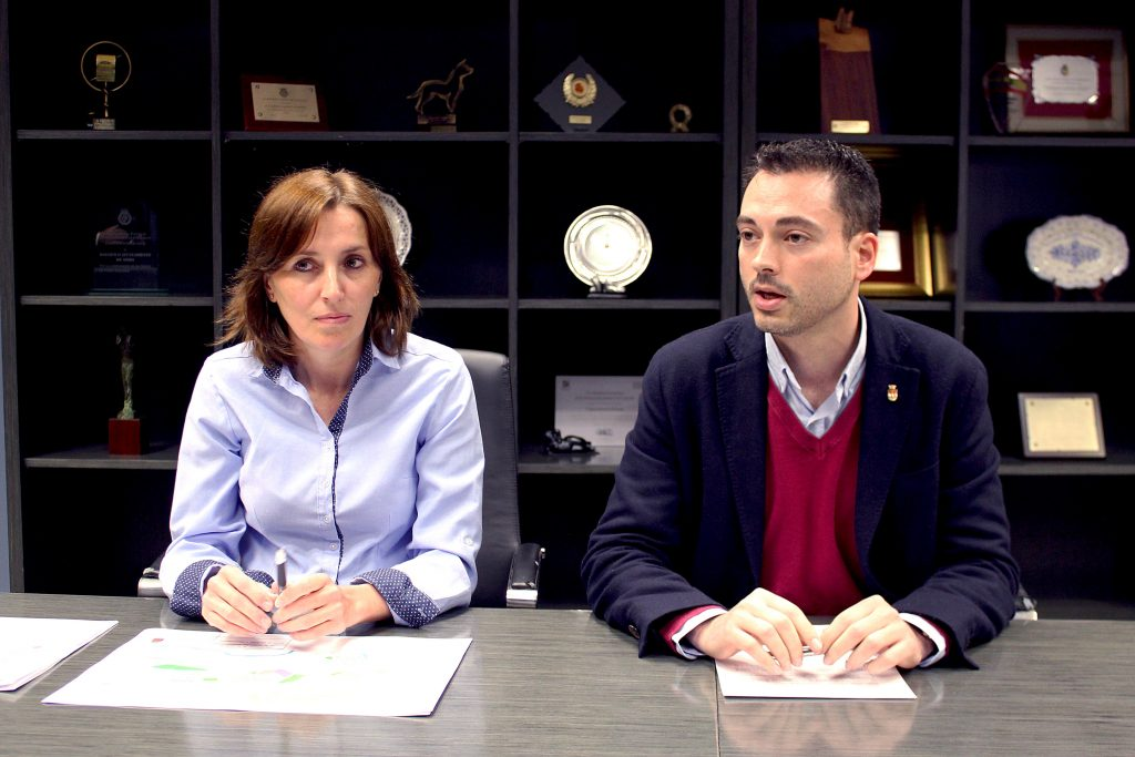 Rueda de prensa Ayuntamiento Onda, alcalde Ximo Huguet y concejala urbanismo Marta Piquer